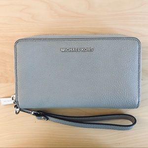 Michael Kors Mercer Pebble Leather Wristlet/Phone